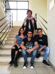 La prof. Giacometti con gli studenti partecipanti al Concorso